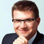 DEJAN TURK, VIP MOBILE: U mobilnom i – banka