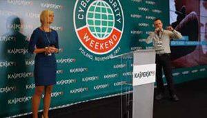 Olga Orlova i Marko Prus na konferenciji u Varšavi