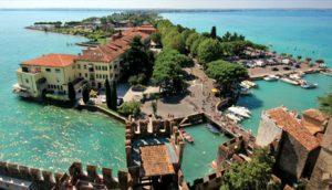 Panoramski pogled na jezero Garda