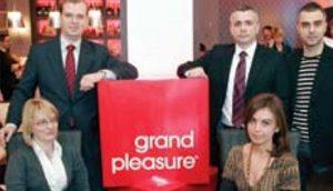 Представник шпанске компаније SEDA Алехандро Мурга и Grand Pleasure тим