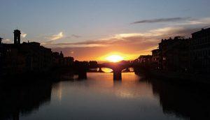 Zalazak sunca snimljen sa mosta Ponte Vekio