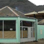 КАКО ПРЕЖИВЕТИ У ТРГОВИШТУ: Аутобуску станицу претворили у радионицу за обућу