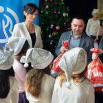 """Kompanija """"Dunav"""" poklonila novogodišnje paketiće deci u SOS dečijem selu"""
