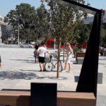 """Roche i Strawberry Energy omogućili postavljanje """"pametnih klupa"""" u Beogradu i Novom Sadu"""